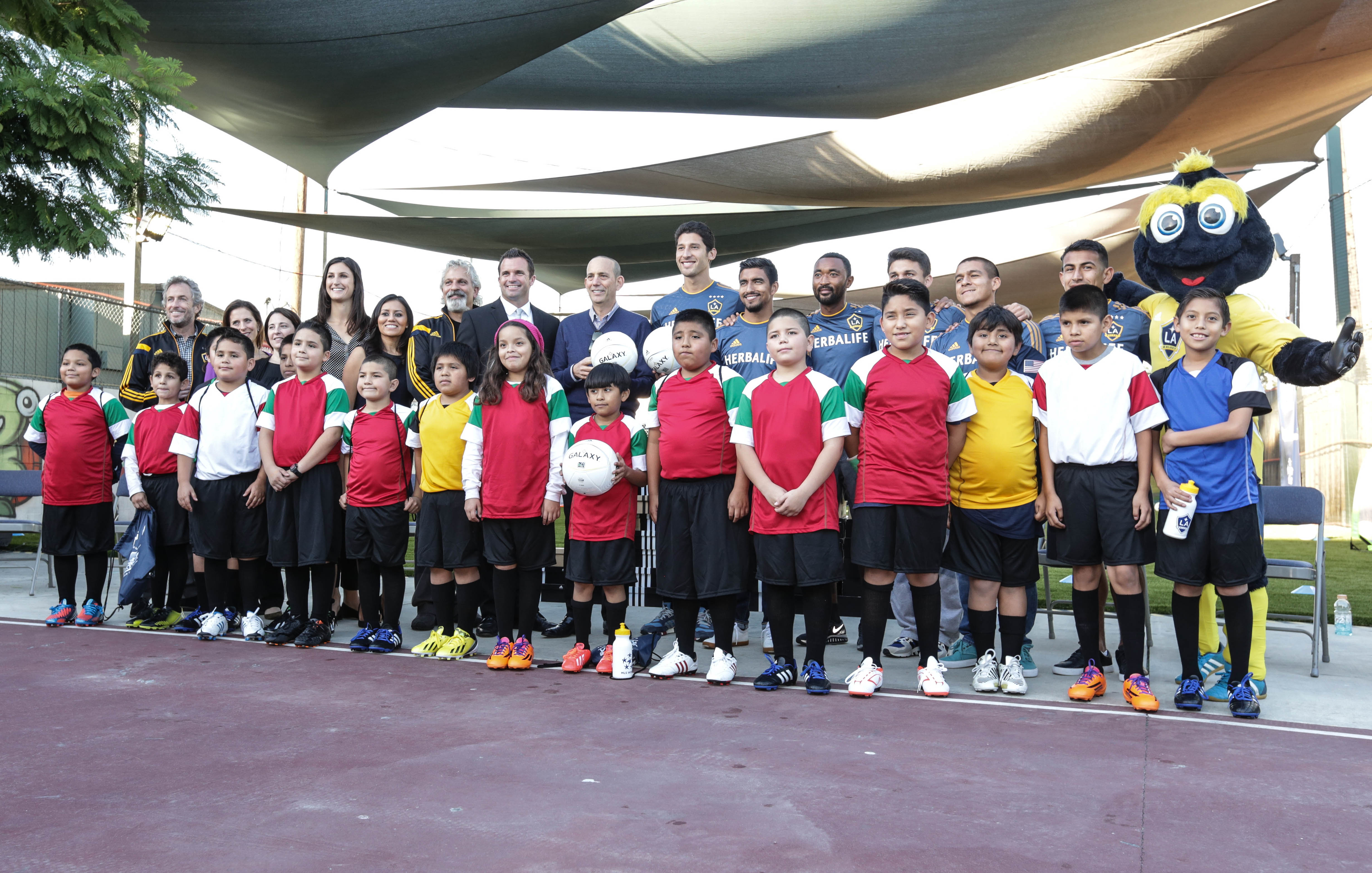 Place Bound Students  >> La Galaxy Foundation And Herbalife Nutrition Donate 25 000 To A