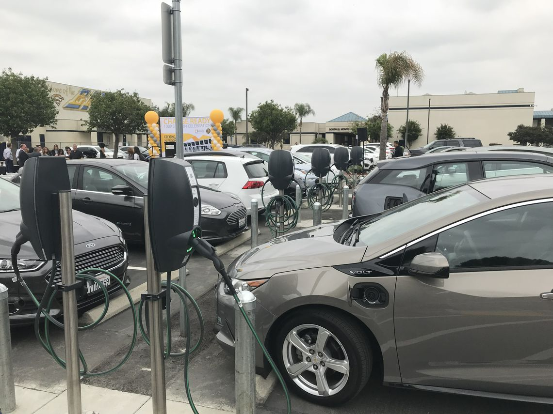 Sce Celebrates The Installation Of 1 000 Electric Vehicle Chargers In More Than 60 Locations Throughout Southern California Credit Carollyn Nguyen