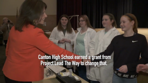 Illinois High School Students Showcase Robust STEM Knowledge for U.S. Rep. Cheri Bustos During 2017-2018 School Year