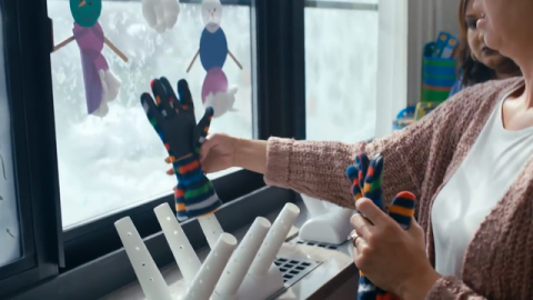 Video | Warming Mittens and Hearts