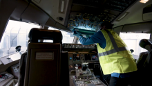 United Now Cleaning Flight Decks with UVC Lighting
